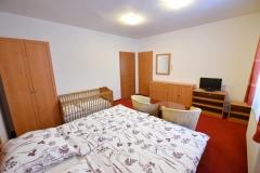 Apartmán A - ložnice 2+1+postýlka