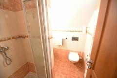 Apartmán C - koupelna č. 2 s WC
